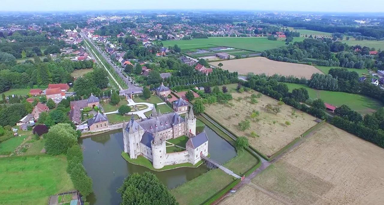 Achterzijde_kasteel_laarne_web_kleur